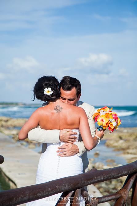 822_055 Dylan and Ally, Mayan Riviera Wedding at the Grand Palladium Colonial  01 05 2015