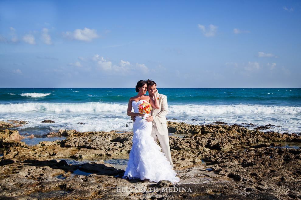822_101 Dylan and Ally, Mayan Riviera Wedding at the Grand Palladium Colonial  01 05 2015
