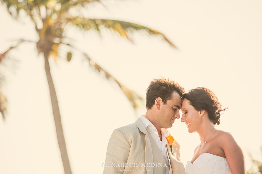 822_137 Dylan and Ally, Mayan Riviera Wedding at the Grand Palladium Colonial  01 05 2015