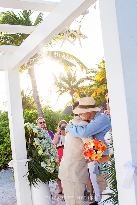 822_196 Dylan and Ally, Mayan Riviera Wedding at the Grand Palladium Colonial  01 05 2015