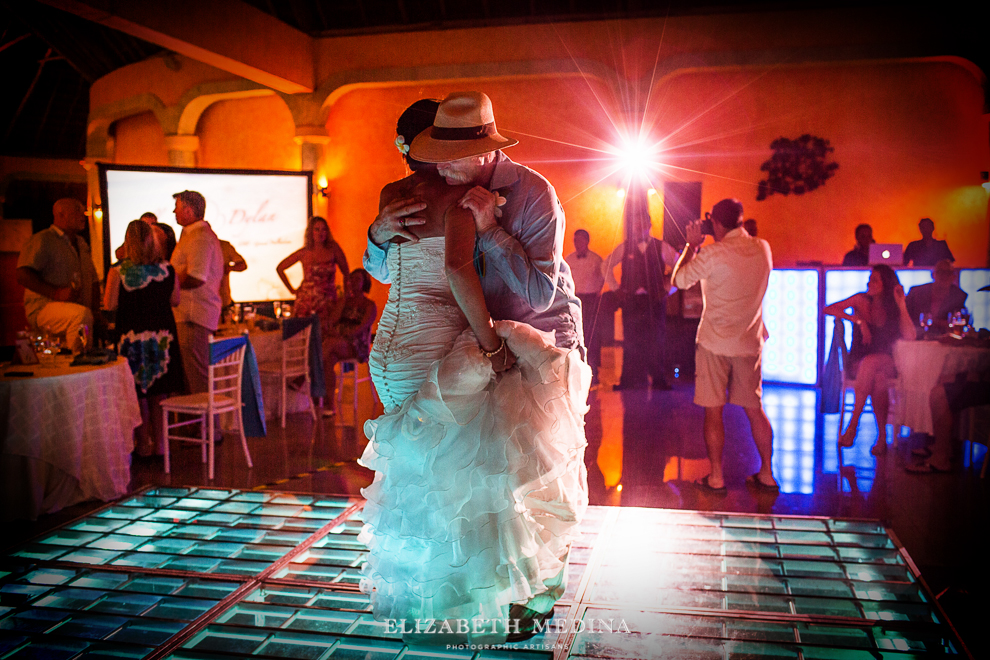 822_570 Dylan and Ally, Mayan Riviera Wedding at the Grand Palladium Colonial  01 05 2015
