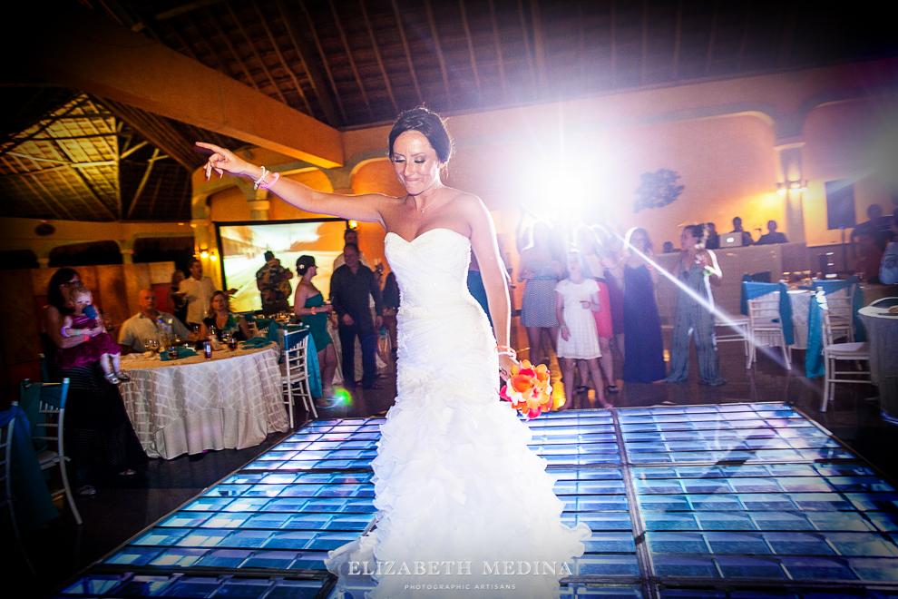 822_619 Dylan and Ally, Mayan Riviera Wedding at the Grand Palladium Colonial  01 05 2015