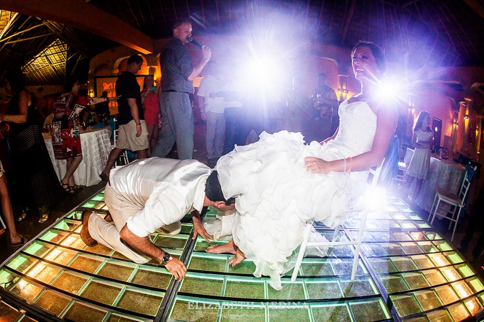 822_624 Dylan and Ally, Mayan Riviera Wedding at the Grand Palladium Colonial  01 05 2015