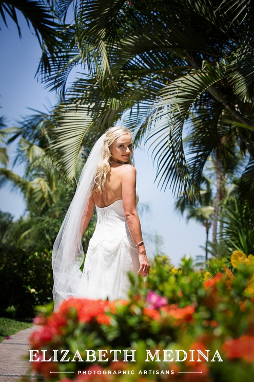 puerto wedding photographer elizabeth medina 069 Puerto Vallarta Wedding, Martoca Beach Garden