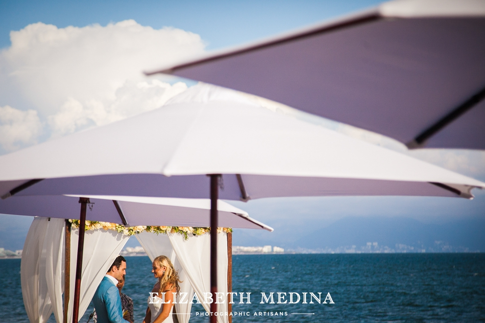 puerto wedding photographer elizabeth medina 088 Puerto Vallarta Wedding, Martoca Beach Garden