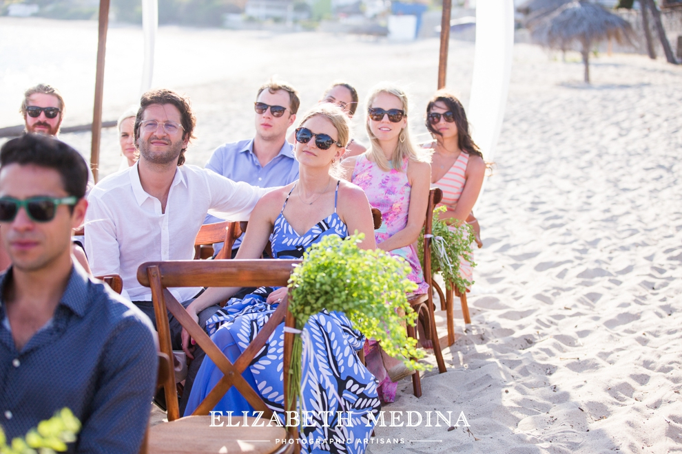 puerto wedding photographer elizabeth medina 092 Puerto Vallarta Wedding, Martoca Beach Garden