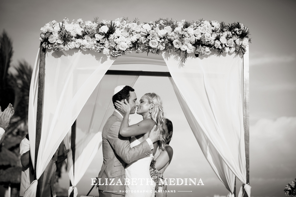 puerto wedding photographer elizabeth medina 097 Puerto Vallarta Wedding, Martoca Beach Garden