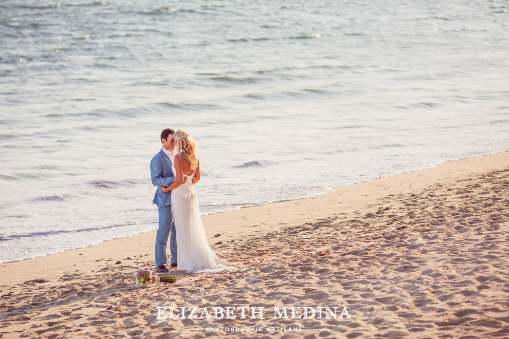puerto wedding photographer elizabeth medina 110 Puerto Vallarta Wedding, Martoca Beach Garden