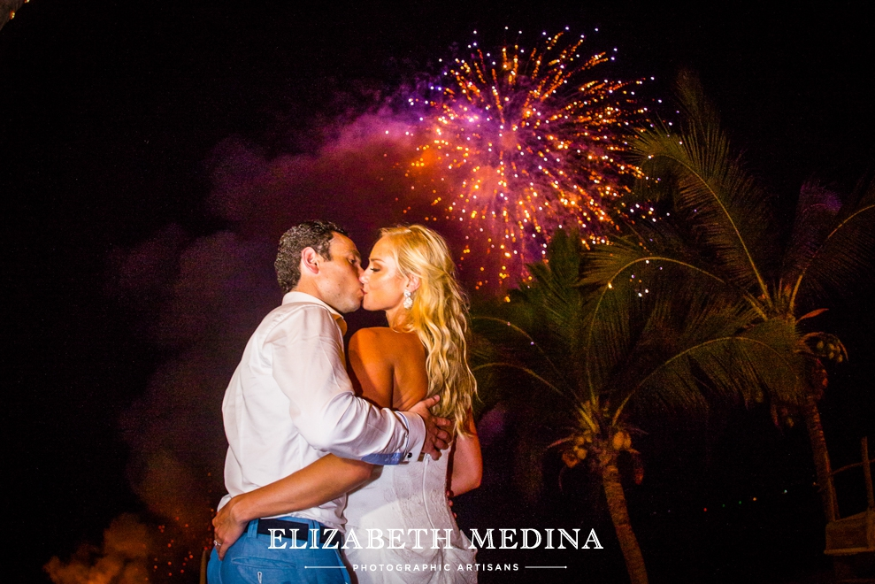 puerto wedding photographer elizabeth medina 118 Puerto Vallarta Wedding, Martoca Beach Garden