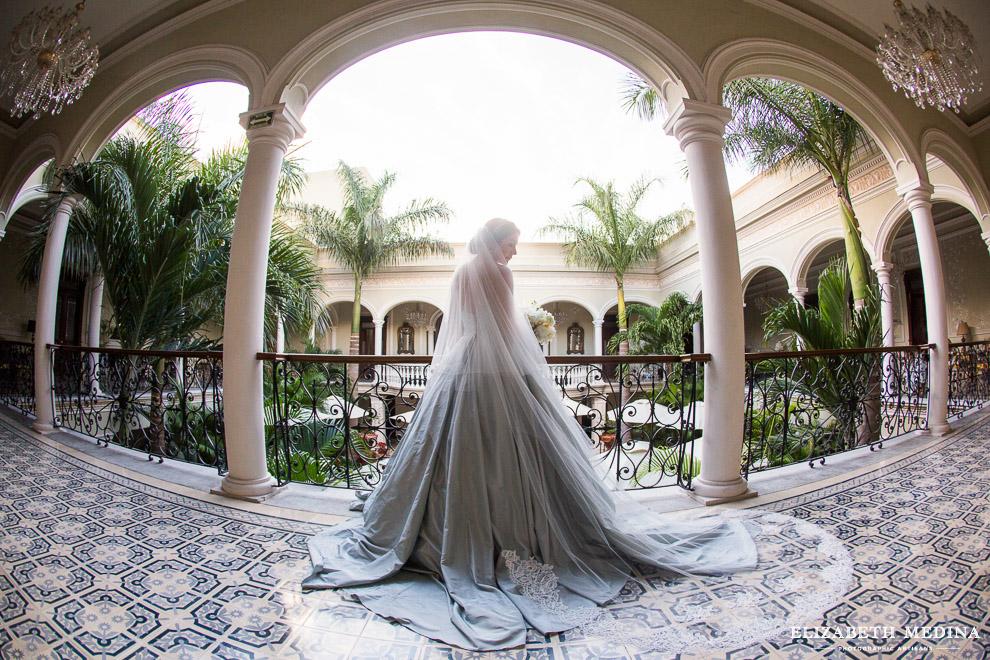 merida yucatan destination wedding photographer elizabeth medina 856 098 Elegant Merida Wedding, Lizbeth and Massimiliano, Hacienda San Diego Cutz Wedding